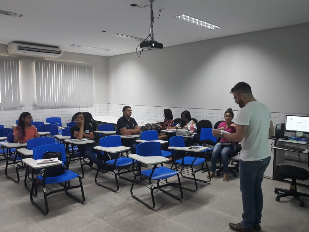 Estudantes do PROENEM (UNILAB) recebem capacitações para correção de redações