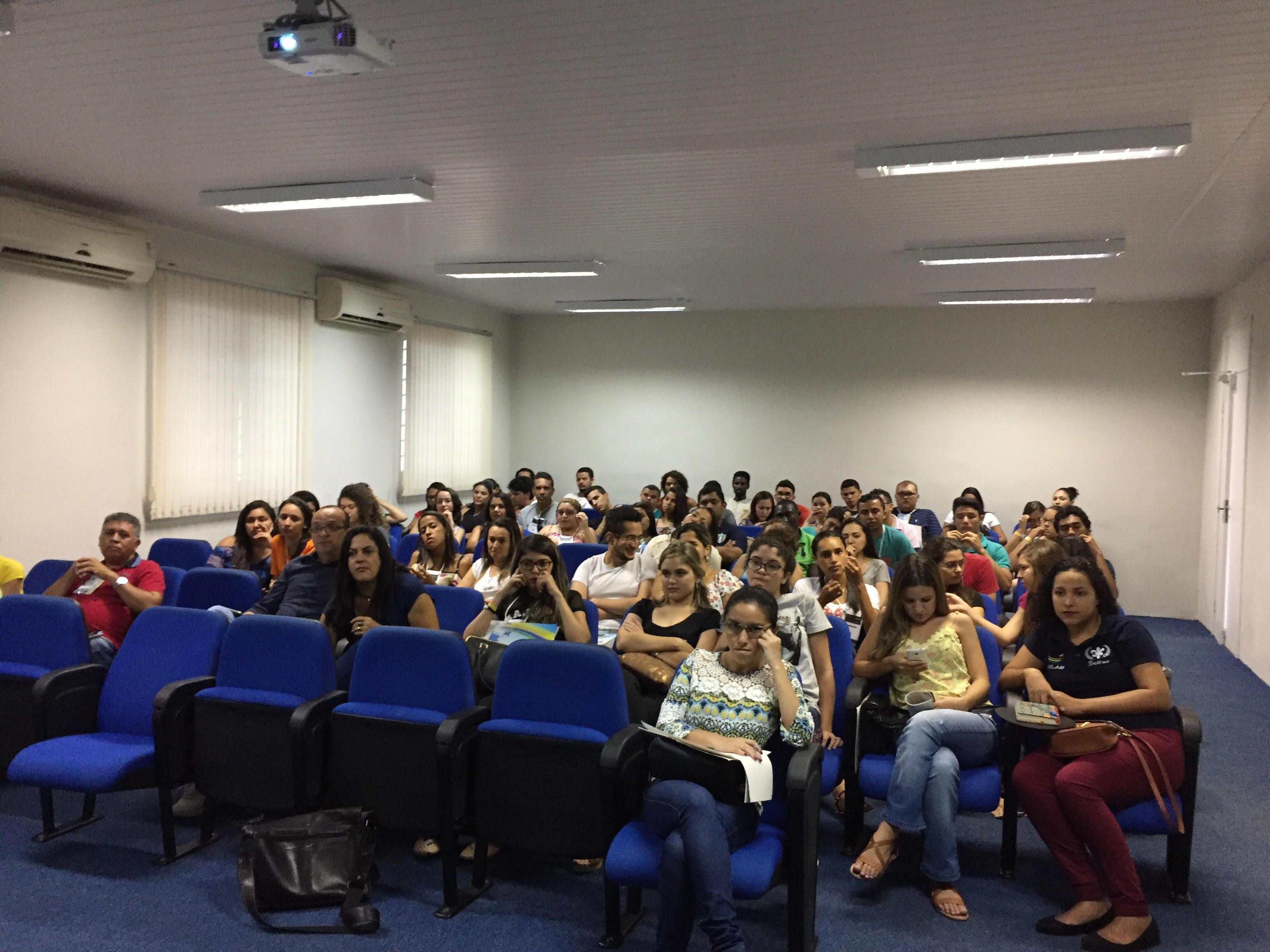 """Ajuda na redação: análise do tema """"Inclusão social em questão no Brasil""""."""