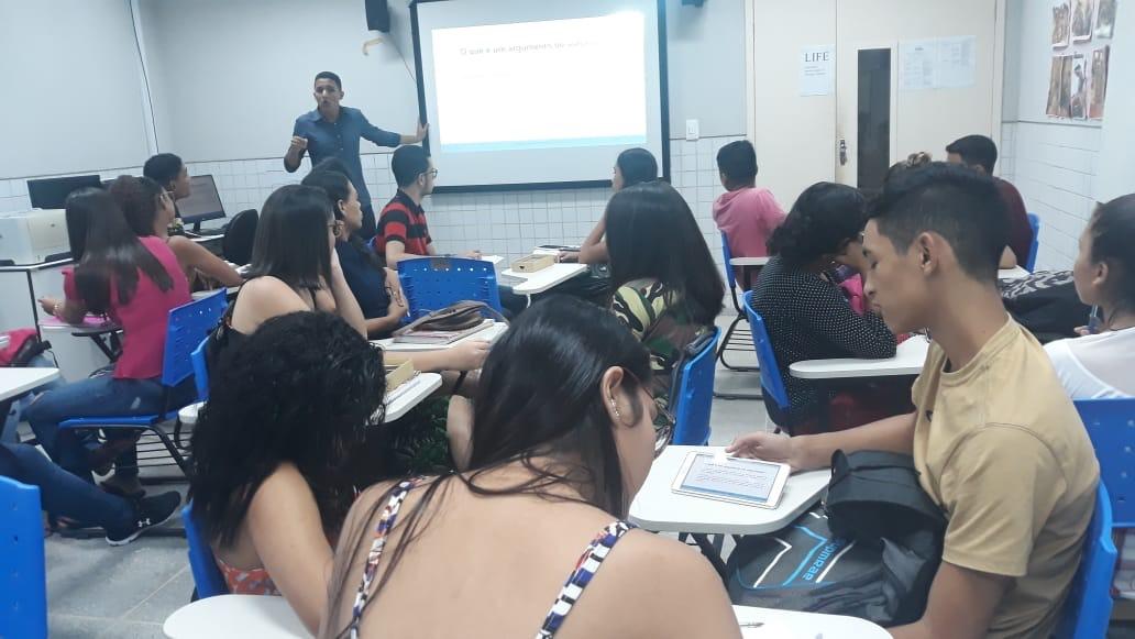 Portal do Projeto PROENEM ajuda mais alunos pré-universitários a partir do uso de recursos tecnológicos
